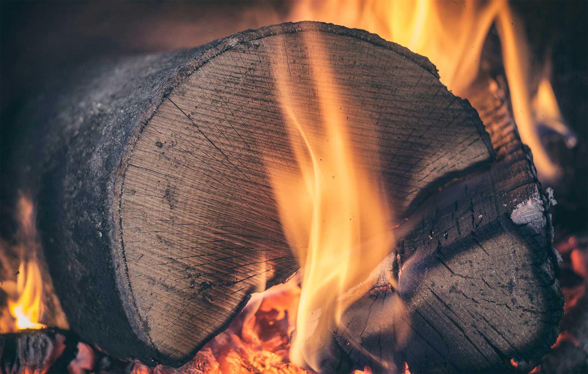 Vente bois de chauffage et litières en copeaux dans le Gard Bucheafeu